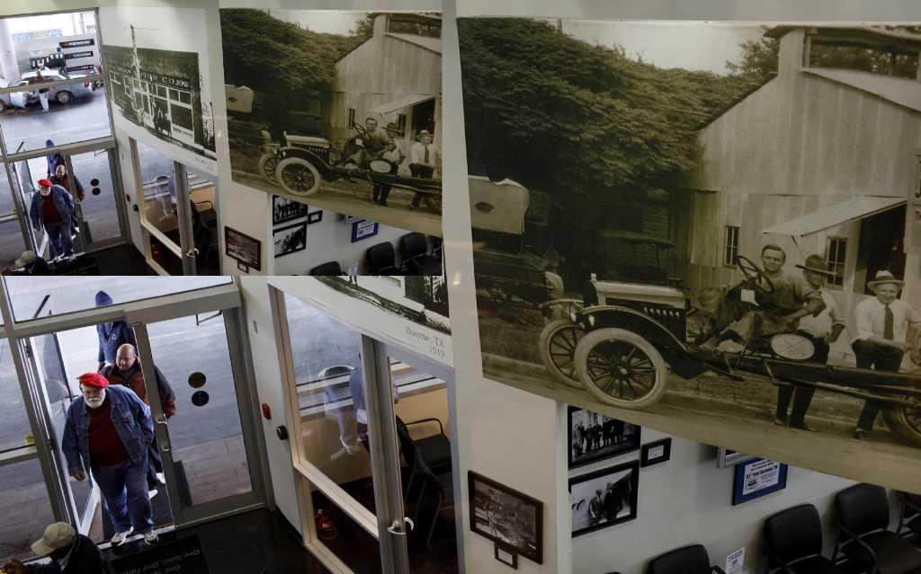 Jordan Ford San Antonio >> Jordan Ford Celebrates 90 Years San Antonio Express News