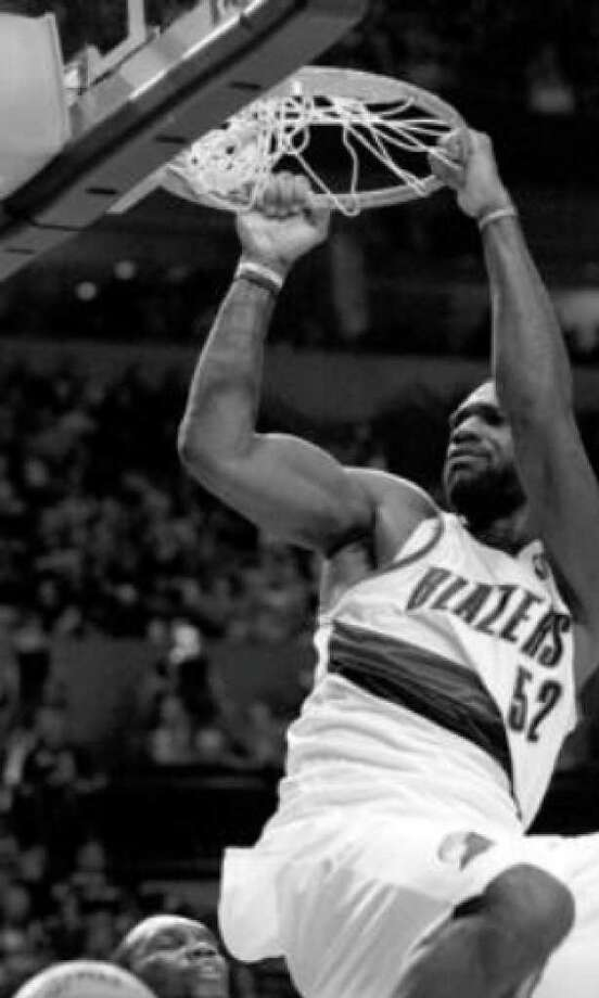"""Like Jimmy Chitwood of """"Hoosiers"""" fame, center Greg Oden has started """"playing ball"""" a lot better for the Trail Blazers."""