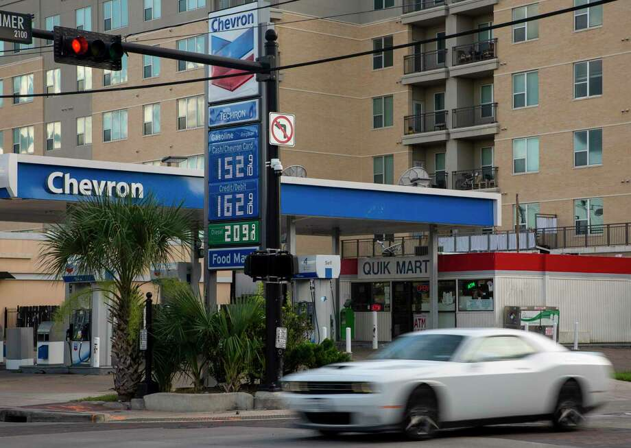 Gas prices have declined during the COVID-19 pandemic, photographed Tuesday, May 26, 2020, in Houston. Photo: Godofredo A. Vásquez, Houston Chronicle / Staff Photographer / © 2020 Houston Chronicle