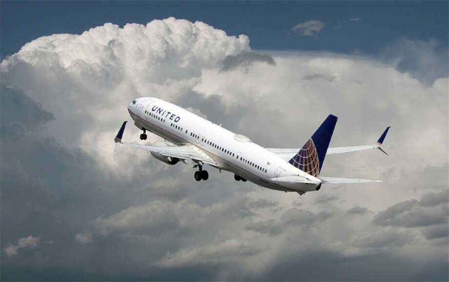 United's waiver of change fees now applies for tickets purchased through June 30. Photo: Jim Glab