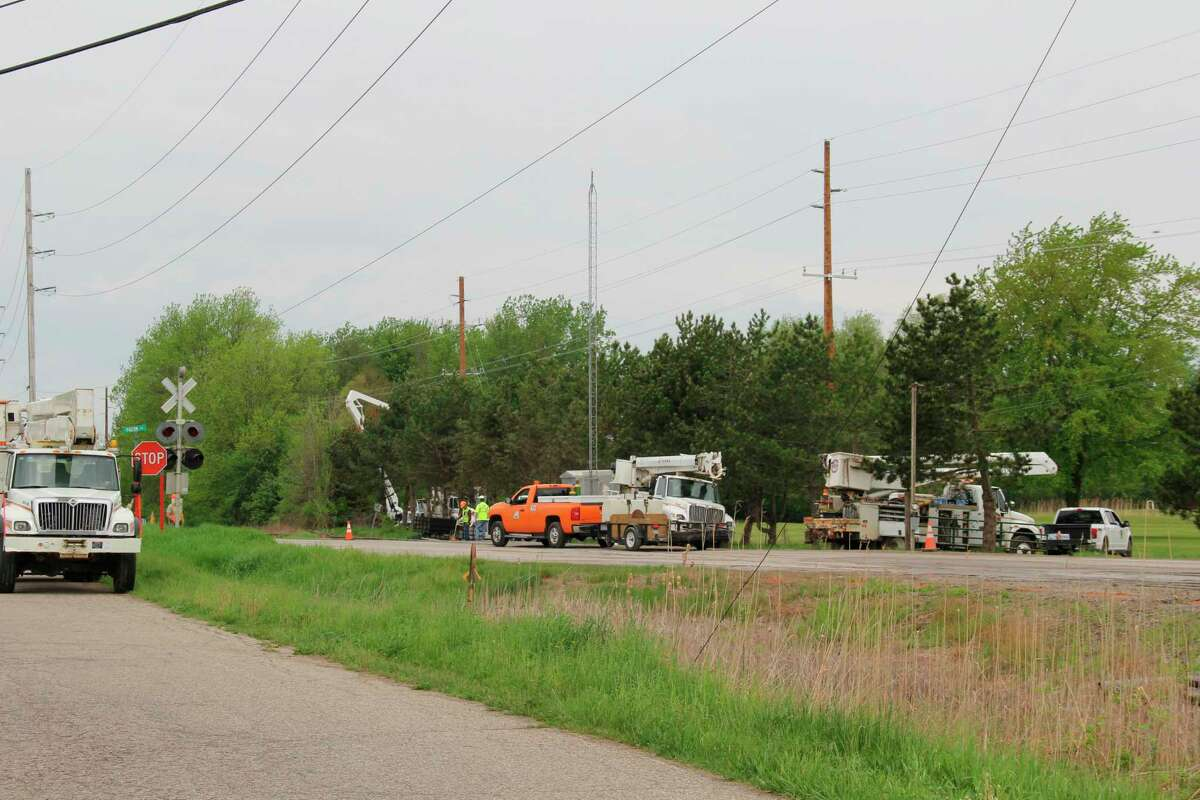 Railroad repair work at M-142 outside of Elkton is scheduled to last for a week. (Robert Creenan/Huron Daily Tribune)