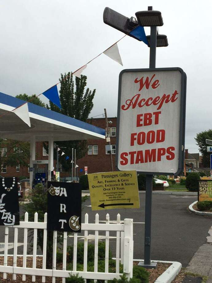 A Mobil Food Mart in Hartford that accepts SNAP benefits. Photo: CTMirror.org File Photo