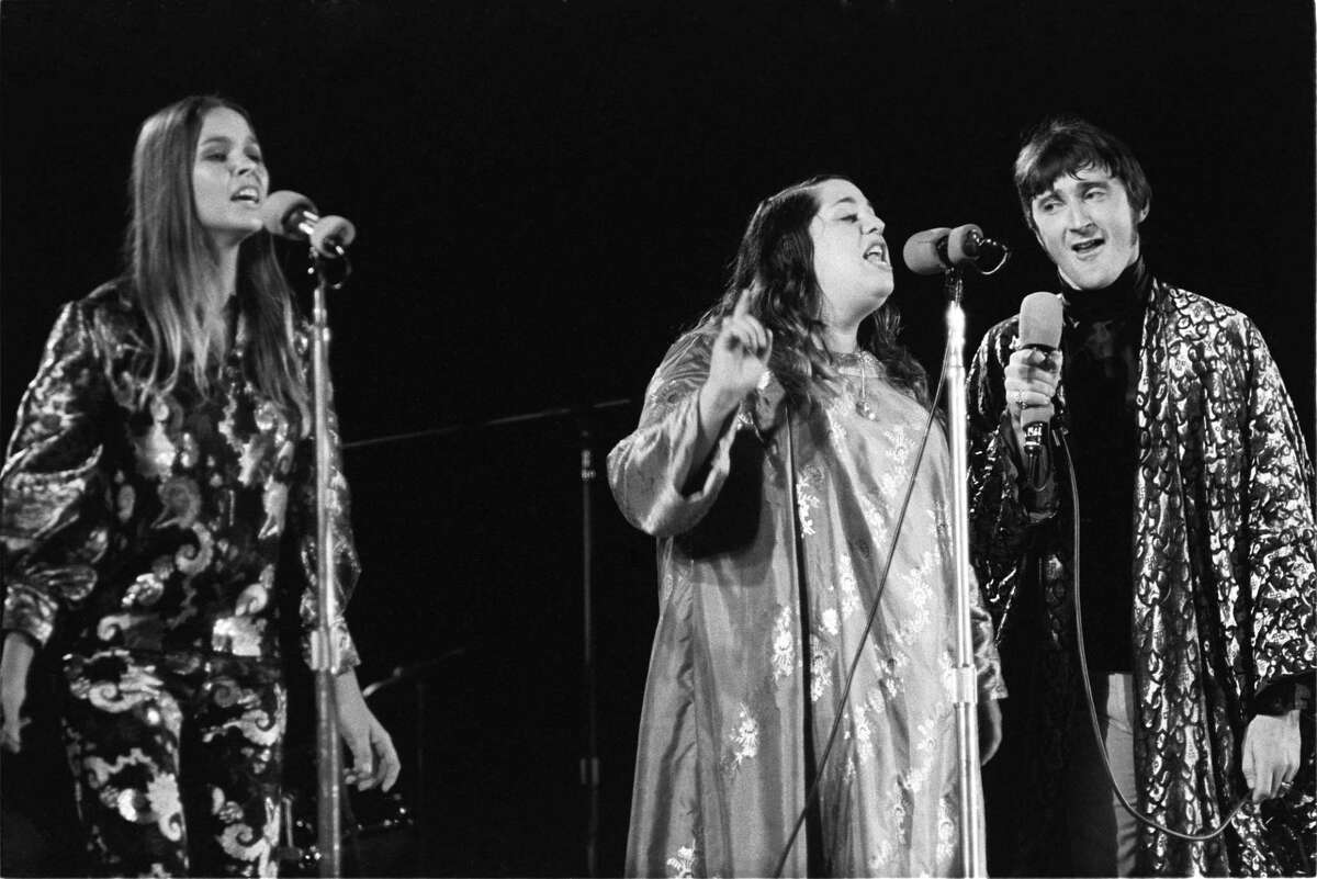 Michelle Phillips, Mama Cass and Denny Doherty of the Mamas and the Papas.