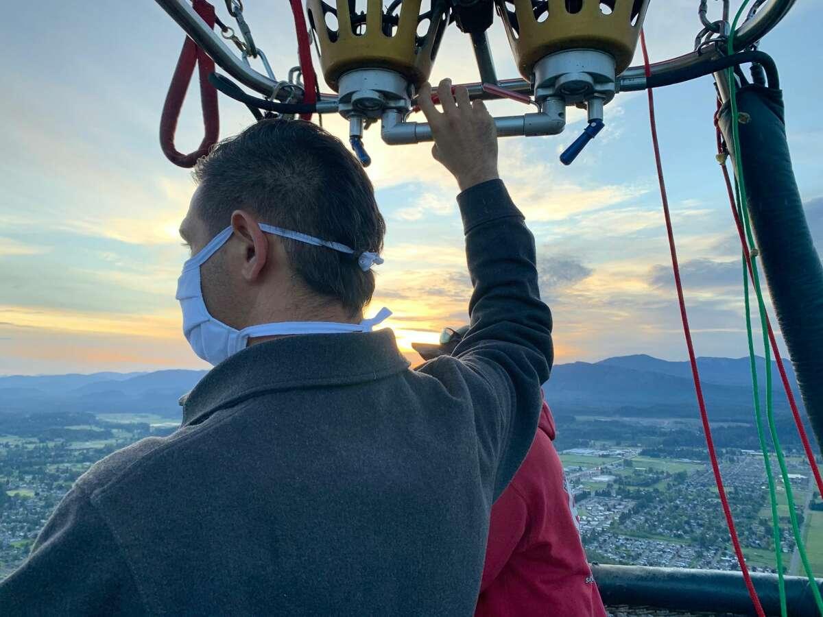 Eliav Cohen looks out over Washington.
