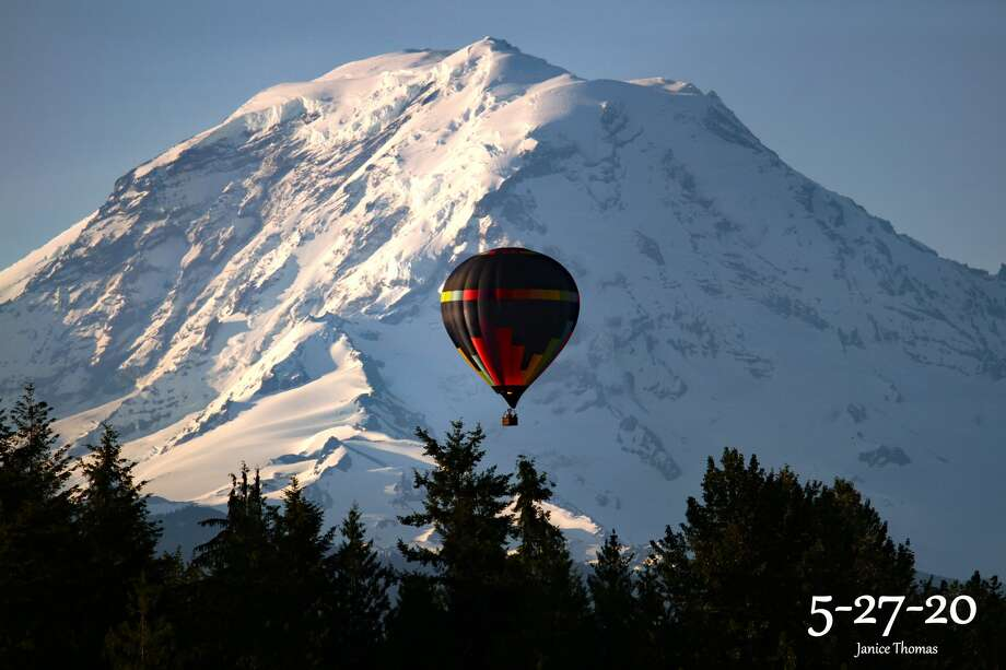 A view from a Seattle Ballooning flight looks over Mt. Rainier. Photo: Picasa, Courtesy Seattle Ballooning