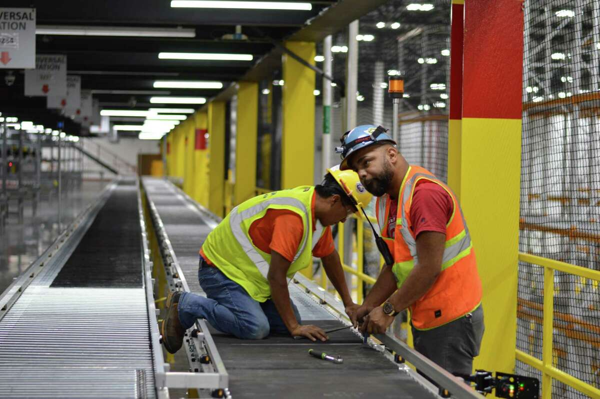 Amazon is offering permanent positions to more than 3,000 seasonal employees in Connecticut.