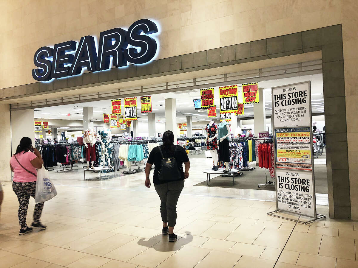 Customers can be seen entering the SEARS Store at Mall del Norte, Friday, May 29, 2020, as they checked for store wide clearance items as the store is set to close.