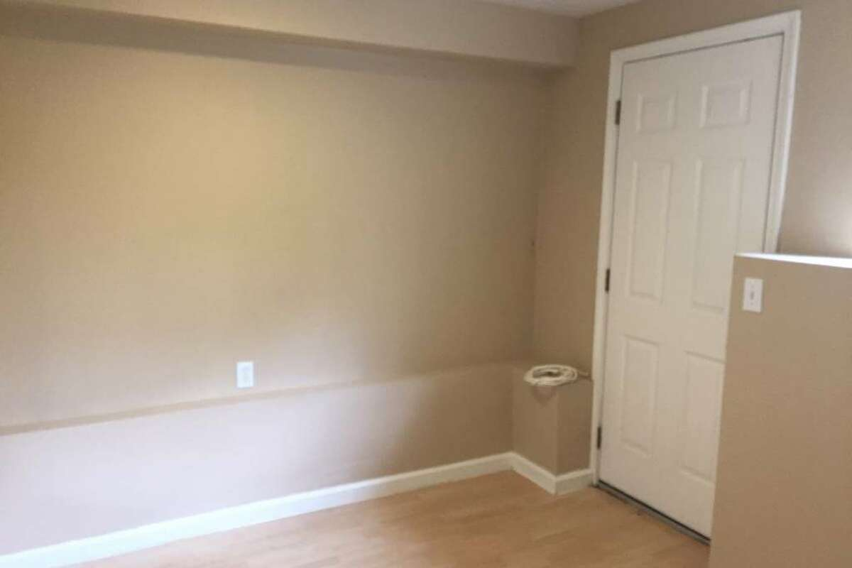 The listing says the room is 10'x12' and is