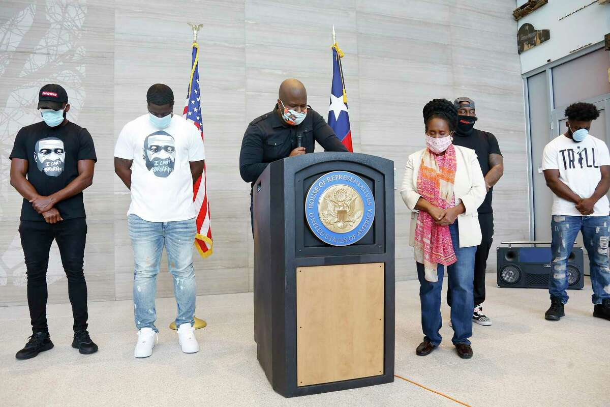 Pastor Patrick Ngwolo says a prayer after U.S. Congresswoman Sheila Jackson Lee, made a formal statement regarding the murder of former Houstonian George Floyd in Houston on Saturday, May 30, 2020.