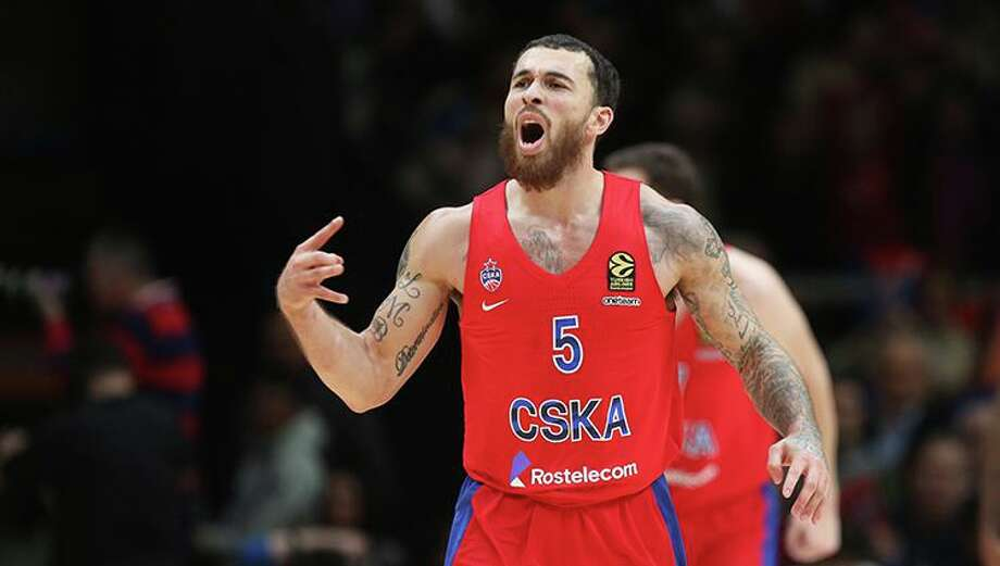 Mike James has signed a three-year contract to stay with CSKA Moscow in the EuroLeague. Photo: CSKA Moscow Photo / all rights by Mikhail Serbin