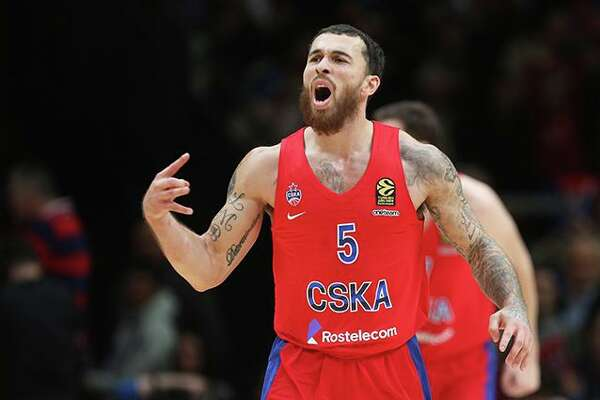 Mike James has signed a three-year contract to stay with CSKA Moscow in the EuroLeague.