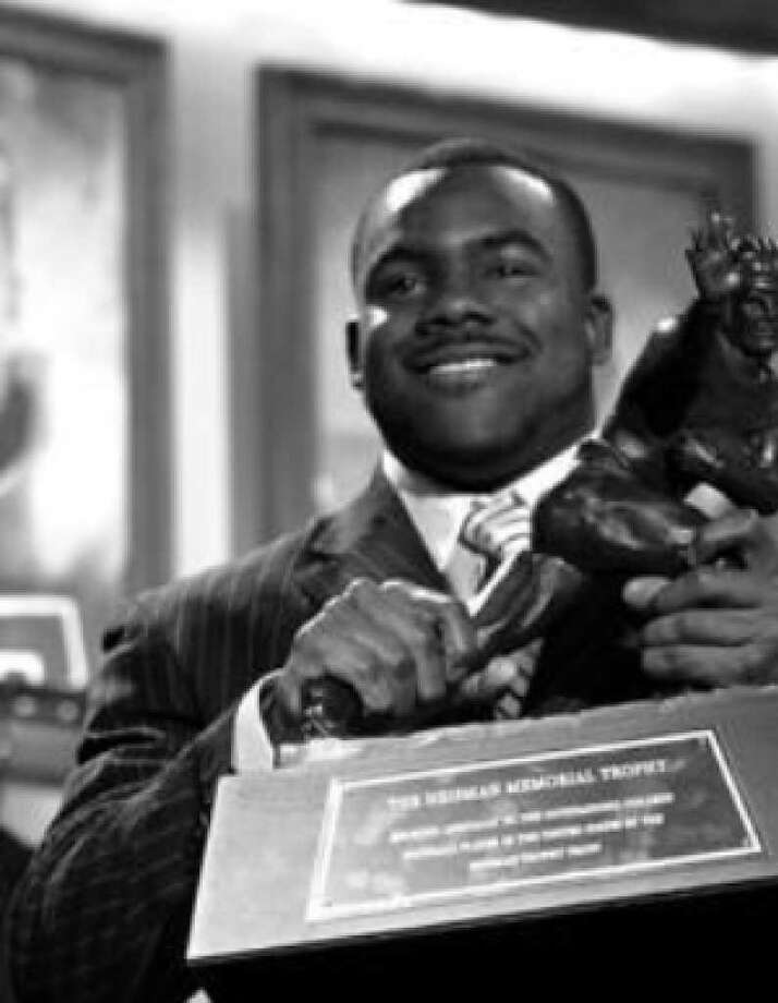 Alabama running back Mark Ingram, who ran wild against No. 1 Florida, is a Heisman winner. A reader doesn't like the selection.