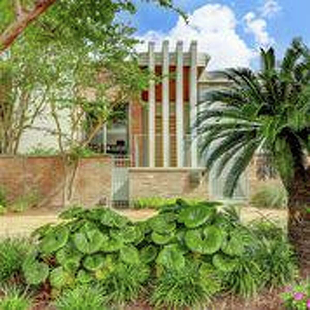 This home on Braeswood will be on the Modern Architecture + Design Society 2020 Modern Homes Tour on June 27, 2020.
