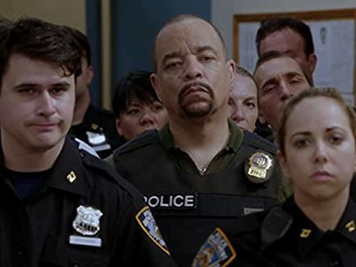 Law and Order: Special Victims Unit: Season 17, Episode 5 An innocent, unarmed black man, whose description matched that of a rape suspect, is killed by police. His murder raise racial tensions and causes outrage throughout the episode, with the district attorney eventually feeling pressure to indict the officers involved.