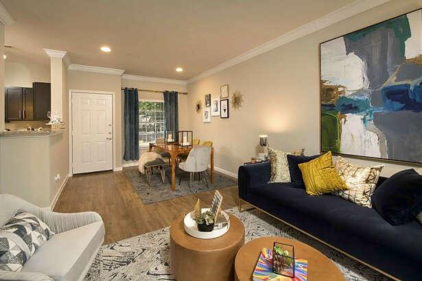 4000 Essex Lane | Photo: Apartment Guide