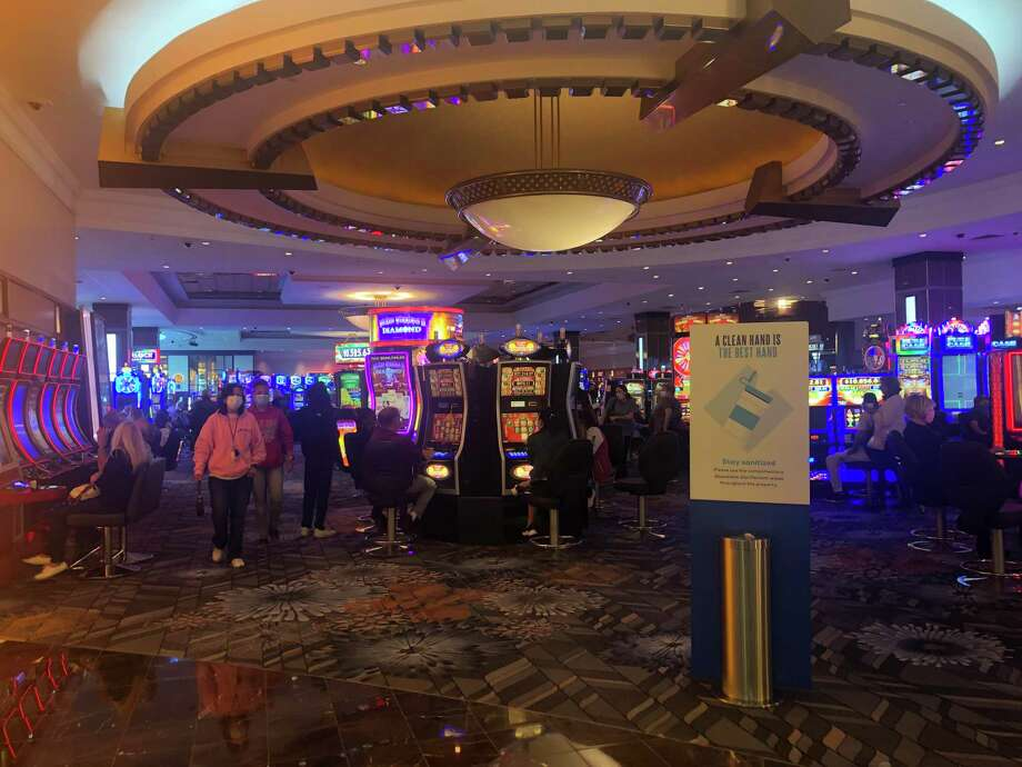 Casinos Reopen With Crowds Despite Warnings The Middletown Press