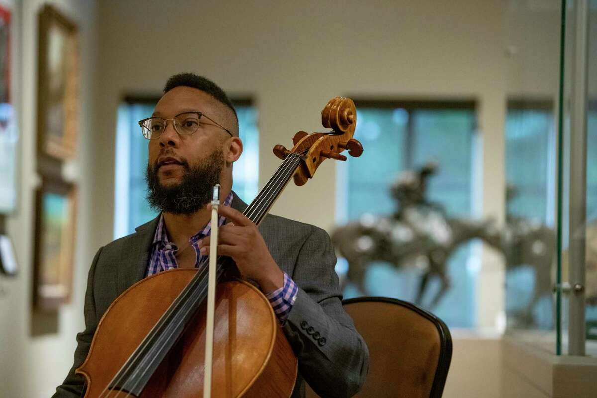 Ryan Murphy's performance is part of a social media campaign designed to spotlight the symphony and other San Antonio non-profits.