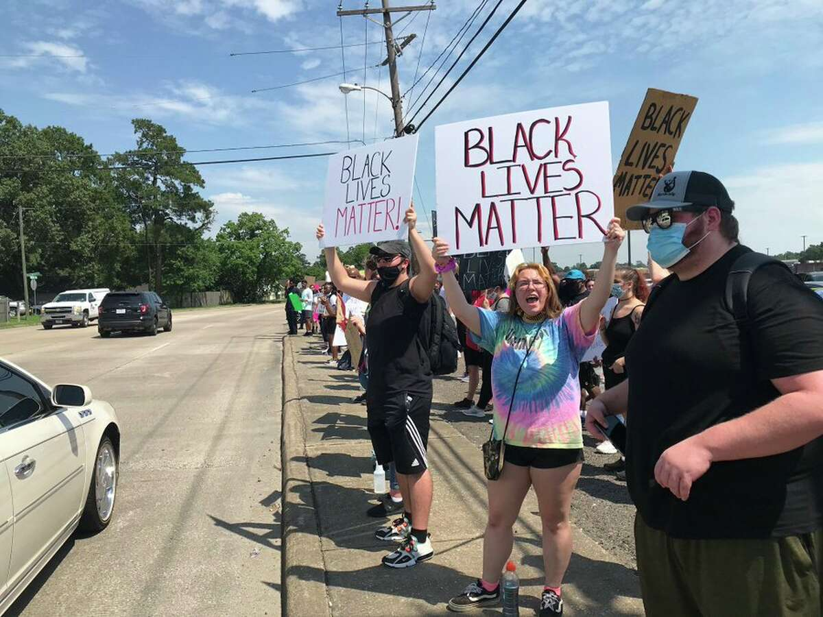 Protestors gather near the intersection of East Lucas and Concord Road Tuesday, June 2, 2020. Photo: Kim Brent/The Enterprise