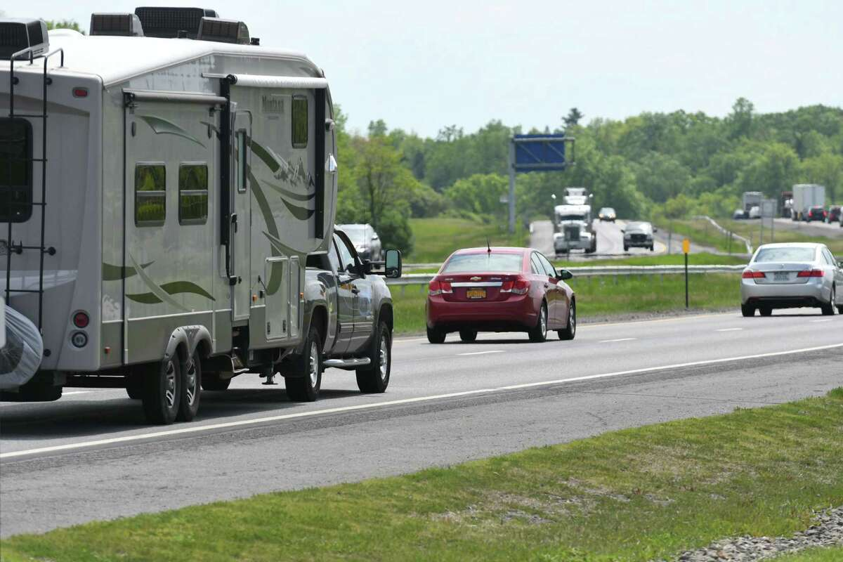 Motorists head south on I-87 past the New Baltimore Travel Plaza on Wednesday, May 24, 2017, in New Baltimore, N.Y. (Will Waldron/Times Union)