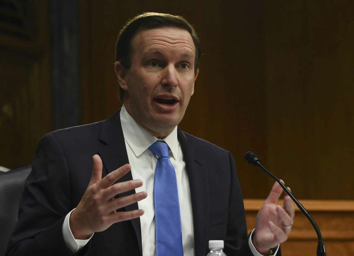 WASHINGTON, DC - MAY 12: U.S. Senator Chris Murphy (D-CT) questions witnesses, who were appearing remotely, during the Senate Committee for Health, Education, Labor, and Pensions hearing on COVID-19 May 12, 2020 in Washington, D.C. The committee will hear testimony from members of the White House Coronavirus Task Force on how to safely open the country and get America back to work and school. (Photo by Toni L. Sandys-Pool/Getty Images)