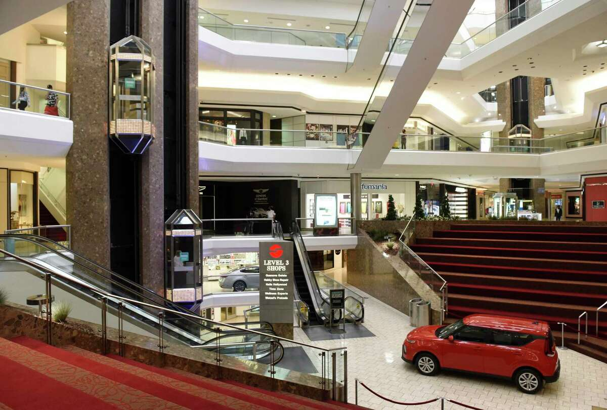 Stamford Town Center mall has been acquired for about $20 million by home-furnishings company Safavieh.