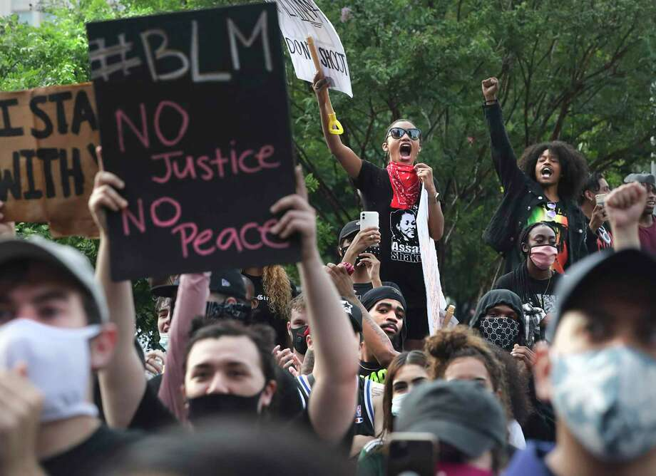 More protests calling for justice in the George Floyd's death while in Minneapolis police custody are planned for Wednesday in San Antonio. Photo: Bob Owen, Staff-photographer / San Antonio Express-News / ©2020 San Antonio Express-News