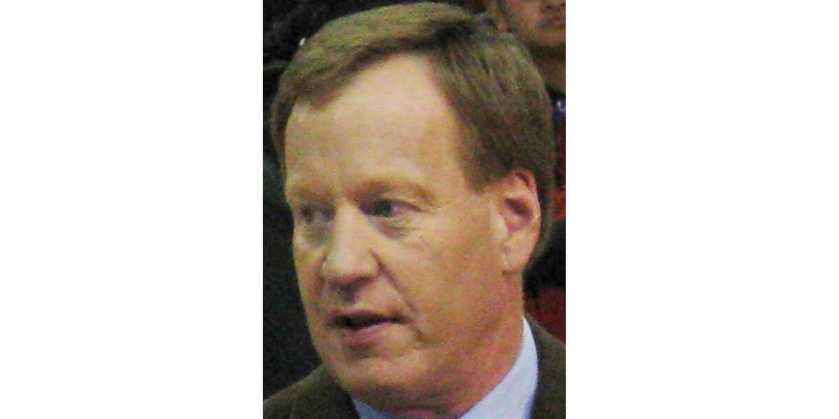 Longtime Sacramento Kings broadcaster Grant Napear has resigned after he tweeted