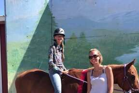 Kyleigh Weck - shows horses in Hippology Club.