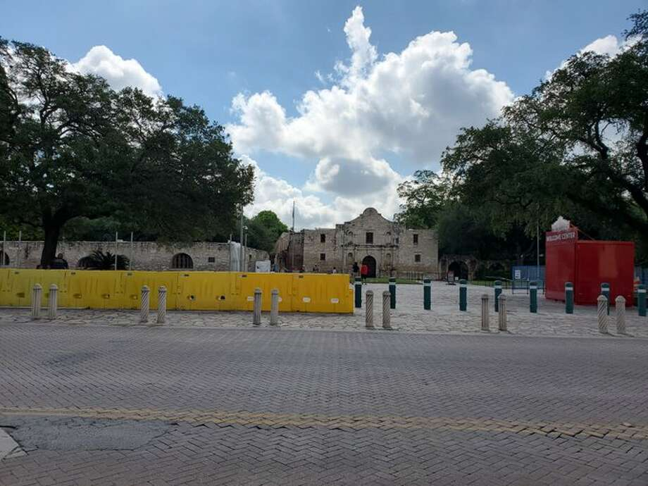 The Alamo is installing a temporary fence along Alamo Plaza in response to the recent protest in the downtown area, according to a tweet from the historical site's Twitter account. More protests are planned for today. Photo: Twitter: The Alamo