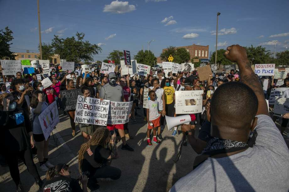 ÔIn Defense of Black LivesÕ protesters marched down Grant Avenue on Wednesday, June 3, 2020 at the Odessa Police Department. Photo: Jacy Lewis/Reporter-Telegram / Jacy Lewis/Reporter-Telegram