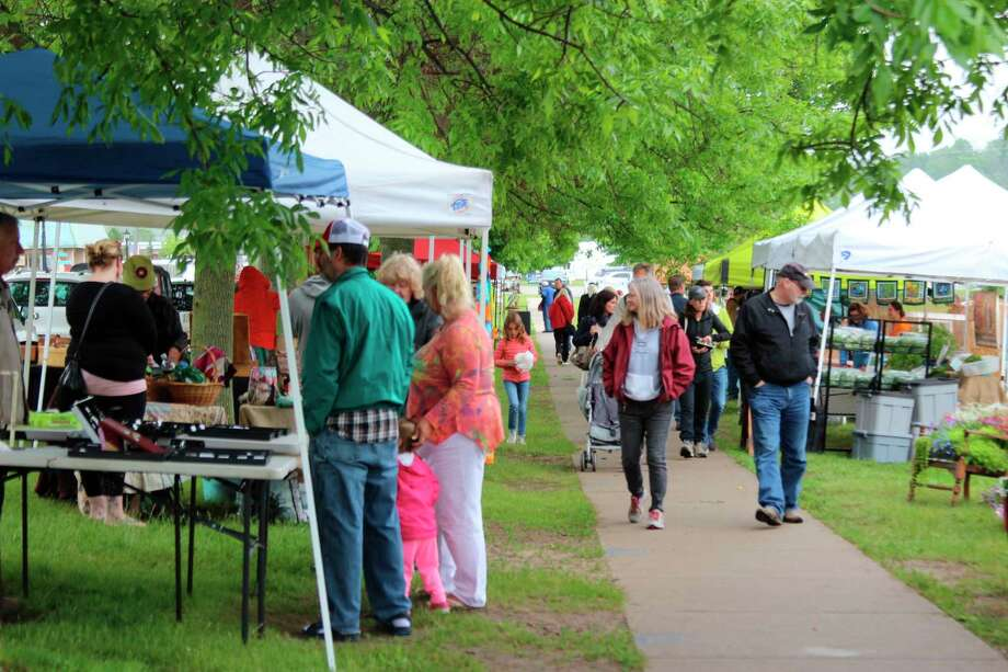The Frankfort Farmers Market is scheduled to open up, but with social distancing measures to keep shoppers and vendors safe. (File Photo)