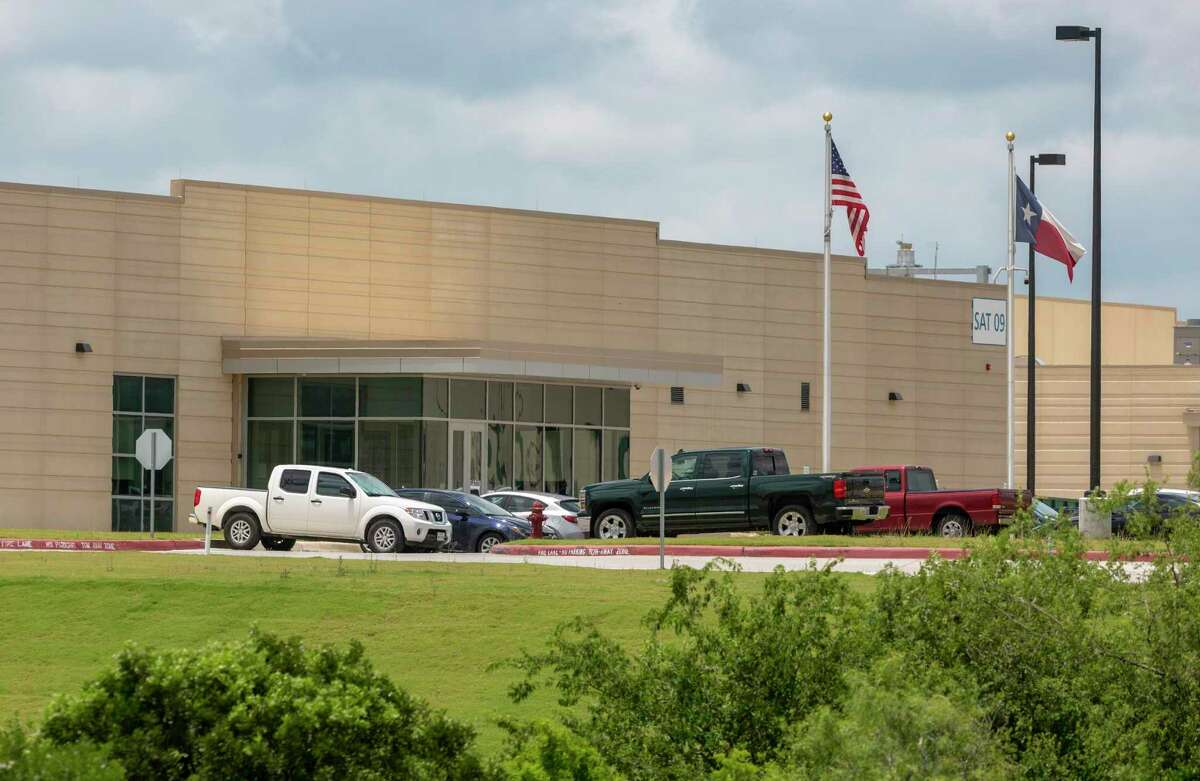 Dallas general contractor Rogers-O'Brien Construction LLC sued Microsoft Corp. last month alleging breach of contract for work it did on buildings at Microsoft's data center in the Texas Research Park on San Antonio's far West Side.