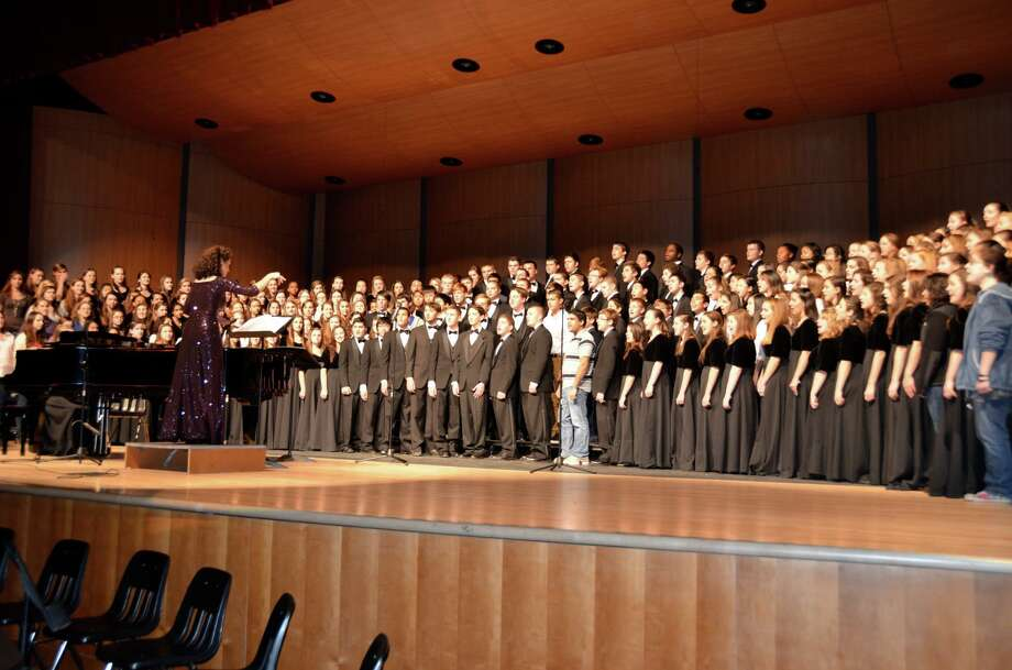 The Trumbull High School Concert Choir, under the direction of Anne Tornillo, performs a concert at the school. Tornillo recently announced her retirement. Photo: Contributed / Connecticut Post Contributed