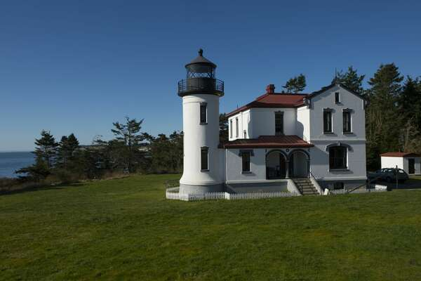 UNITED STATES - 2013/01/01: Admiralty Head Lighthouse at Fort Casey State Park on Whidbey Island, Washington State, United States. (Photo by Wolfgang Kaehler/LightRocket via Getty Images)