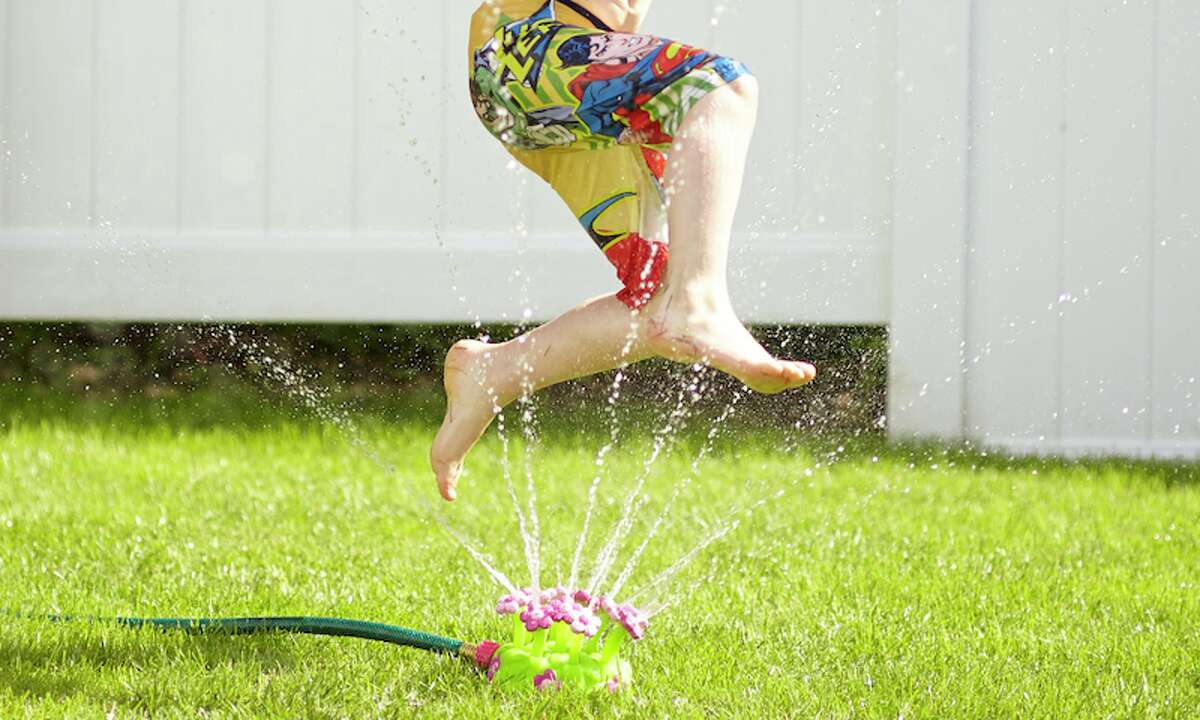 Melissa & Doug Pretty Petals Sprinkler Looking for a sprinkler that your kids can jump over again and again? This Melissa & Doug Pretty Petals Sprinkler will do the trick.