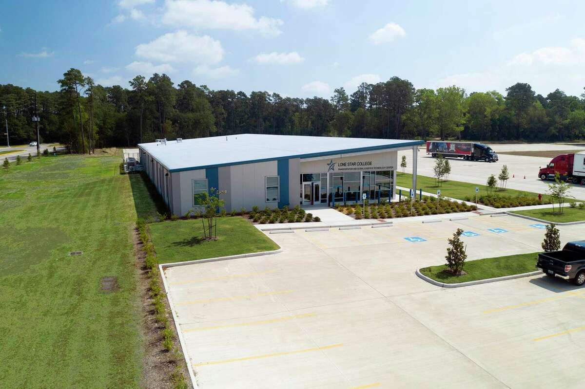 The Lone Star College Transportation & Global Logistics Technology Center is a new state-of-the-art 16,000 square-foot facility in Spring.