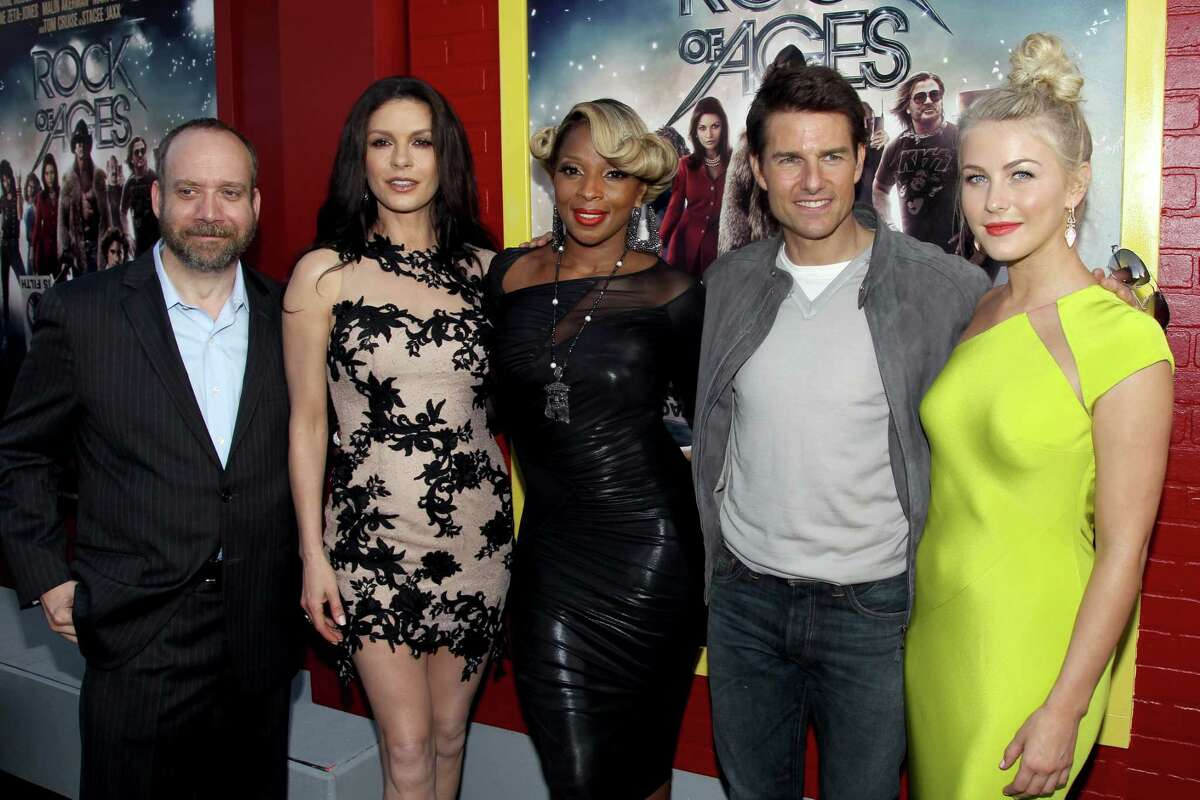 From left, Paul Giamatti, Catherine Zeta-Jones, Mary J. Blige, Tom Cruise and Julianne Hough arrive at the