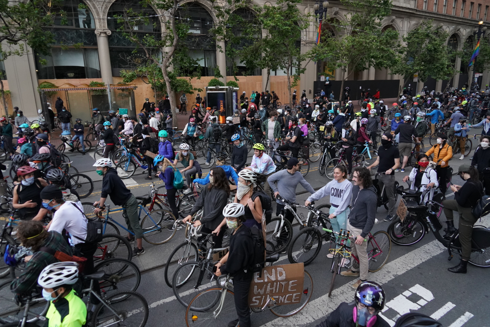 SF Critical Mass bike protest draws more than 1,000 against police brutality