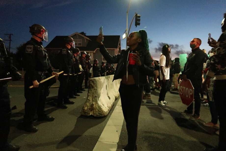 Protests take place in Vallejo over the death of Sean Monterrosa the night of June 5, 2020. Photo: Chris Preovolos / Hearst Newspapers
