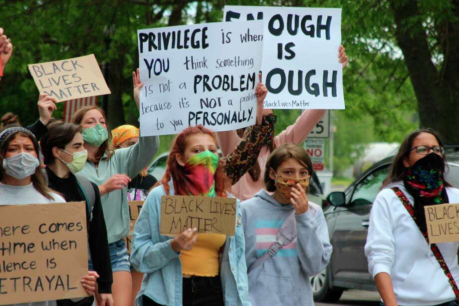 Protesters take to Main Street in Frankfort for a peaceful protest to show their support for the Black Lives Matter movement. (Photo/Colin Merry)