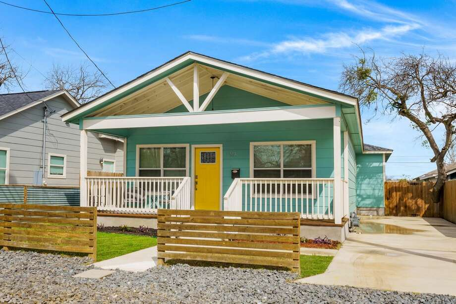 Address: 223 Rudolph, ZIP: 78202 Short term Rental! East Dignowity new home with all the upgrades. Adorable furnished home ready to be lived in. It can be short term as short 1 to 3-month rental. 3 bed, 2 bath, 1,340 square feet. Pots and pans, sheets, towels and washer and dryer. Everything you need. Photo: Full Spectrum Property Management
