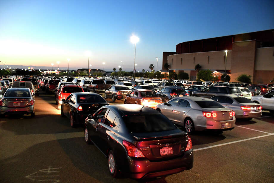 The South Texas Food Bank, in partnership with the City of Laredo and Webb County, hosted a mass COVID-19 Emergency Food Distribution for 5,000 local families affected by the COVID-19 pandemic, Saturday, June 6, 2020 at the Sames Auto Arena. Photo: Cuate Santos/Laredo Morning Times
