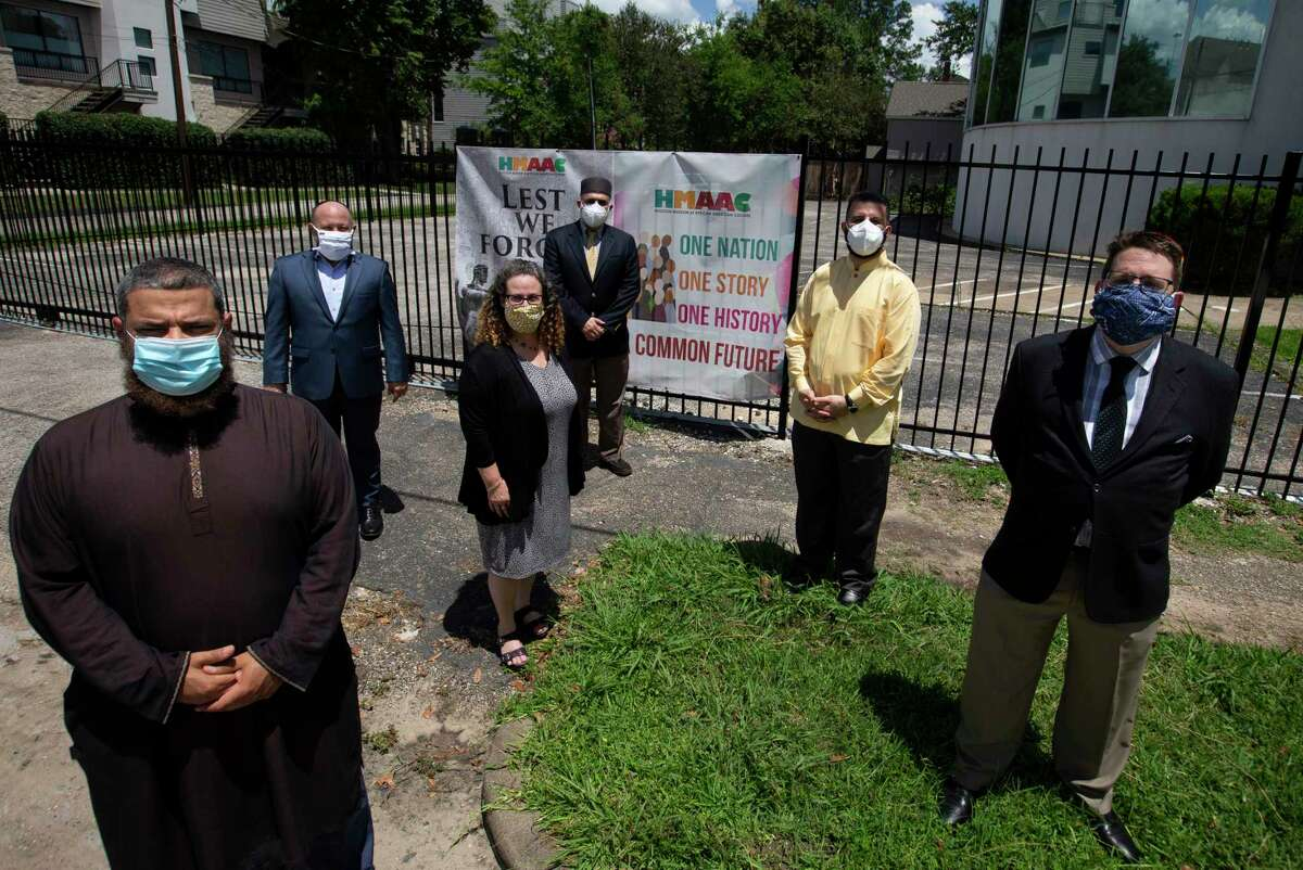 Iman Waleed Basyouni, from left, Rabbi Scott Hausman-Weiss, Imam Basem Hamid, Rabbi Deborah Schloss, Imam Raed Alrosan and Rabbi Gideon Estes pose for a photograph Thursday, June 4, 2020, in Houston.