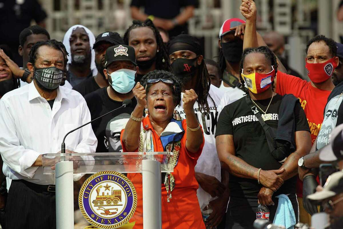 U.S. Rep. Sheila Jackson Lee, D-Houston, addresses marchers on Tuesday, June 2, 2020 at City Hall in downtown Houston. At left is U.S. Rep. Al Green, D-Houston.