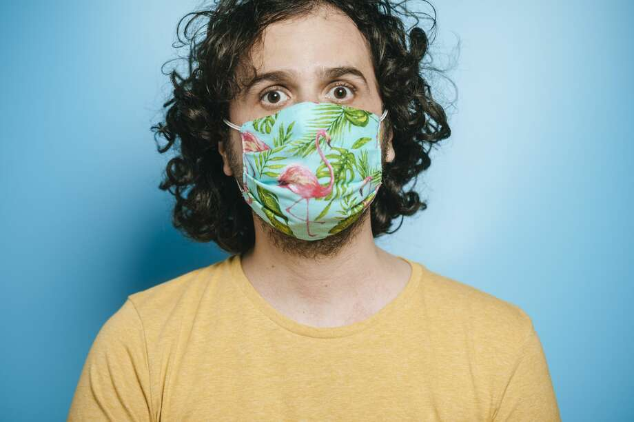 The Centers for Disease Control and Prevention says the general public should wear cloth face masks to protect others — and themselves — against COVID-19. Photo: F.J. Jimenez/Getty Images