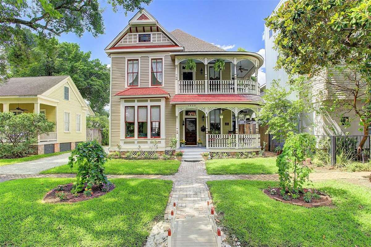 Situated in Old Sixth Ward, this historic Queen Ann Victorian located at 1908 Decatur Street is within walking distance to Washington Ave., Downtown, Sawyer Yards, neighborhood parks, restaurants, entertainment, and shopping, according to it's listing on HAR.com