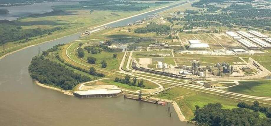 America's Central Port in Granite City has been awarded $1.26 million to support the purchase of a a 270-ton crane.