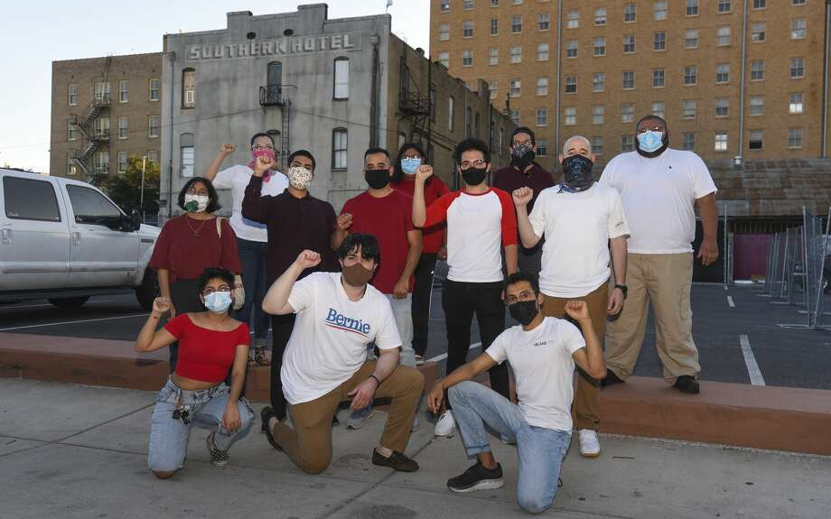 The Red Wing United group gathers for a photo, Wednesday, May 27, 2020, in downtown Laredo. Photo: Danny Zaragoza/Laredo Morning Times