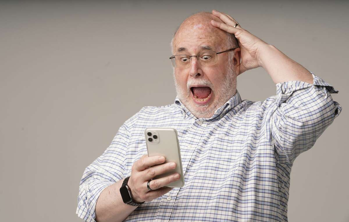 TechBurger columnist Dwight Silverman opens his iPhone to find the news is still as bad as when he last looked.