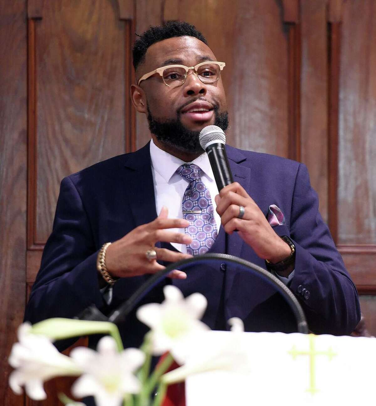 Rev. Kelcy G. L. Steele leads the Hope for Healing Community Prayer Service at Varick Memorial AME Zion Church in New Haven on April 28, 2019.